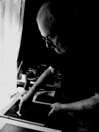 Oldřich Hamera in his studio at Braškov, 2015