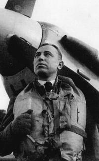 Stanislav Rejthar u spitfiru ve Velké Británii