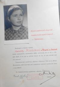 Poděkování Květoslavě Bartoňové od Československé společnosti, že pamětnice zařídila pobyt v Olomouci v letech 1946 - 47 pro 42 dětí z udolí smrti u Dukelského průsmyku