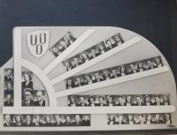 Tablo učitelského ústavu Olomouc s pamětnicí