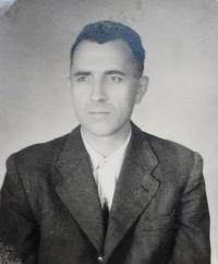 Otec Josef Kajnek