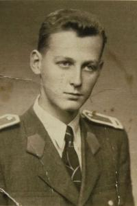 Jaroslav Čihař / v hornické uniformě / 1951