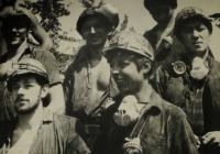 mladí horníci Dolu Dukla / pravděpodobně 70. léta
