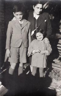 With mum and brother Bedřich, Tisovec, 1942