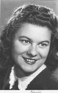 Dagmar Procházková, roz. Weitzenbauerová v roce 1945