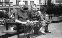 Lidmilini rodiče na dovolené, konec 70. let