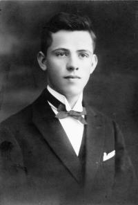 Maturant Karel Fiala, 1926