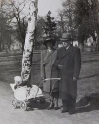 Alois a Věra Ruprechtovi se synem Jiřím