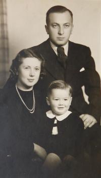 Rodina Ruprechtova - rodiče Alois a Věra a syn Jiří