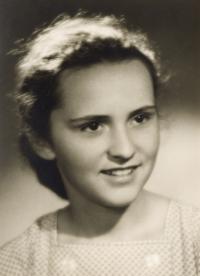 Helena Medková - fotka ze studijního průkazu na konzervatoři (1960)