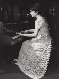 Helena Medková (konec 60. let?)