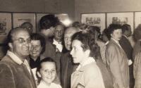 Helena Medková s rodiči (Praha, 1956)