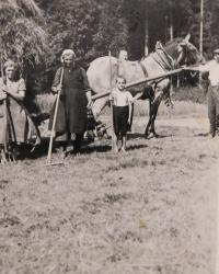 Rudolf Pompe as a boy while working on the farm