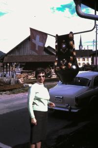 Manželka Eva, 1964