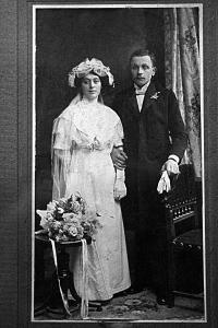 Robertova babička a děda, Érsekújvár 1907