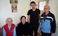Zleva: Olga Mauleová, Eva Armeanová, Luděk Jirka, manžel Olgy Mauleové