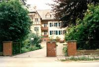 Alaska House na předměstí Frankfurtu. Místo kde přebývali českoslovenští exulanti