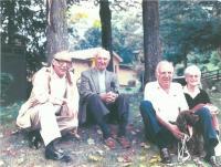 Jan Drábek, otec Jaroslav a bratr Jáša s manželkou Jill ve Vermontu v září 1989