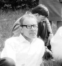 Josef Kobza na sedmém katolicko esparantském tábor v Herborticích v roce 1977