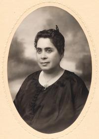 Amálie Ledererová, ca 1920