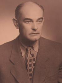 Tatínek Josef, 1957