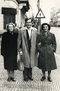 Juřinová Irina, 16.11.1954, poprvé v Praze
