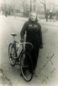Juřinová Irina, 1950, v Petrohradě