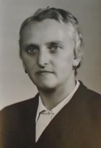 02 - matka Marie Reindlová nar. 1900