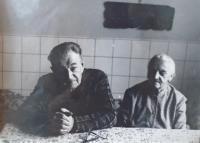 08 - rodiče František 1896-1989 a Marie 1900-1981 Reindlovi