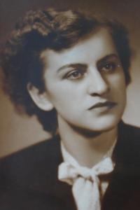 09 - Marie Čondlová roz. Reindlová - rok 1948