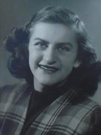 10 - Marie Čondlová roz. Reindlová - rok 1946