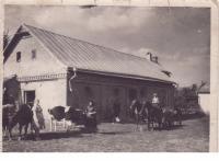 Statek rodiny Zahradníkovy v Novostavcích na Volyni