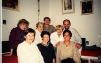 Zdena Kmuníčková vpravo nahoře s kolegy