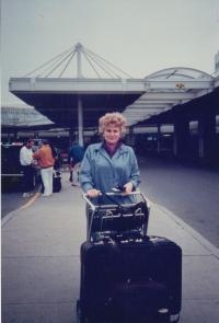 Letiště Otawa, cestou za Stanislavem Grofem do San Francisca, 1990
