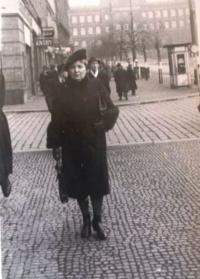 Aunt (Edith's father's sister) Marie Tanzer. She took care of Edita during the war. She was of German origin, and has not survived the turmoil during the Prague uprising in May 1945, probably beaten to death