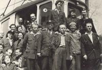 1963 - Dopravní podnik, Vnislav jako řidič tramvaje mezi spolupracovníky II.