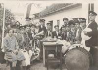 1920 - kapela otce pamětníka