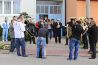 2015 - oslava osmdesátin v Dolních Bojanovicích, Petr Esterka s dechovou hudbou MIstříňanka před rodným domem
