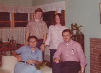 1976 - oslava 20 let od maturity (Petr Esterka sedí vlevo, Josef Šupa napravo)