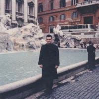 1967 - Petr Esterka a fontána di Trevi v Římě