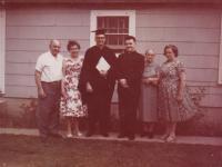 1965 - Petr Esterka, manželé Topenčíkovi, kteří utekli do USA a jejich syn Pavel po promoci