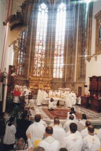 1999 - biskupské svěcení Petra Esterky v katedrále sv. Petra a Pavla v Brně