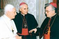 2005 - Ad limina, listopad, s papežem Benediktem XI. a biskupem Vojtěchem Cikrle. Je zajímavé, že v roce 2005 se Petr Esterka na jaře setkal s Janem Pavlem II a na podzim s Benediktem XVI.