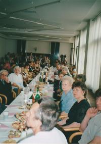 Shromáždění ukrajinských organizací  ke dni Dni matek, Praha, 2003