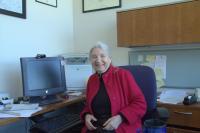 duben 2016 - Růžena Bajcsy ve své kanceláři, Berkeley