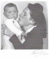 Maruška s maminkou
