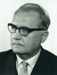 13 - otec - portrét