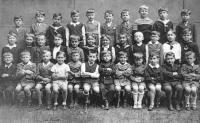 První třída obecné školy v Plzni, 1935
