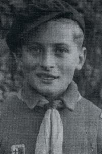 """""""Po Sokolovi jsem začal chodit do skautského oddílu."""" 1939"""