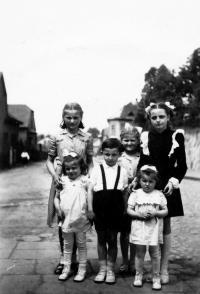 Erika Herudková / vlevo nahoře / Bolatice 1951